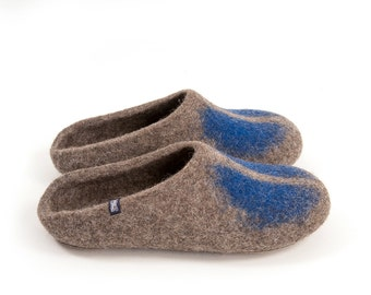 Mens mule Slippers, Felted wool slippers, Slip on slippers, Grey slippers in natural Organic wool with minimal decoration, non slip slippers
