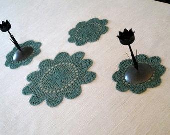 Vintage doilies set. Hand Crocheted green doilies set of 4. Shabby Chic. Cottage Farmhouse Decor. Handmade Vintage Lace Doily Set