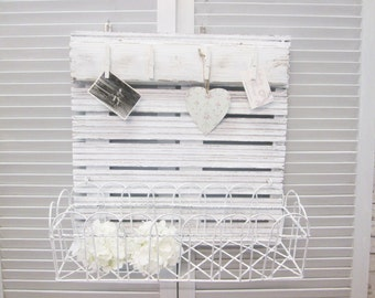 Wandrragal Shabby Chic with basket and memo bar