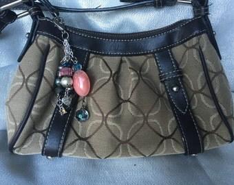 Decorative purse pull