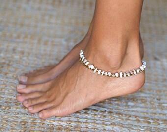 White Agate Anklet // Women Anklet // Ankle Bracelet for Women // White Anklet // Beach Anklet // Brass Anklet // Agate Ankle Bracelet