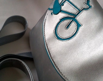 EASY PEASY - ride a bike in silver
