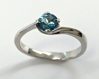 925 Sterling Silver Ring created Topaz London Blue 0,5 ct. Jewelry.