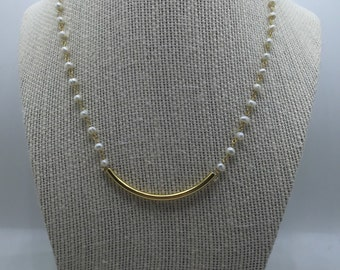 Pearl Swoop Necklace