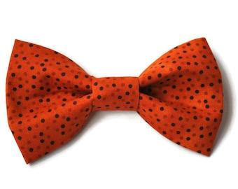 Dog bow-tie in Orange dots