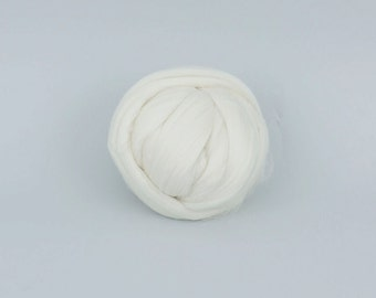 White 19mic ExtraFine Merino Wool Tops. 50gr (1.76oz) For needle felting, wet felting, spinning. 100% wool.