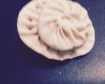 Clay pin