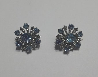 costume jewelry brooches with blue stones