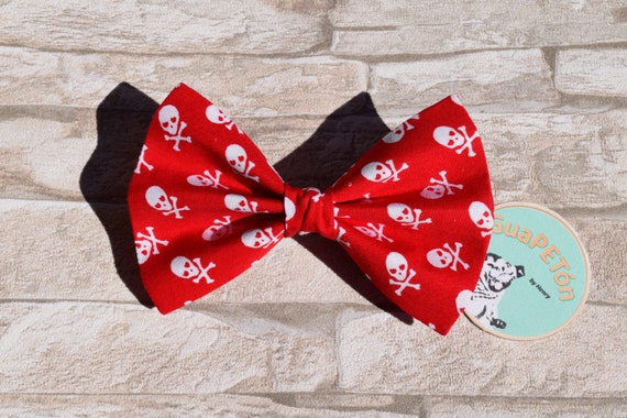 """Bow Tie Bowtie """"Red Skull"""" for dogs, cats or other pets, coloured chequered"""