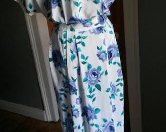 Vintage 1980s 40s style Floral tea dress.Final Sale 10euro!