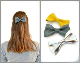 Grey leather hair bow / Leather bow clip / Hair accessories for children / Grey genuine leather