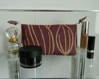 Striking Wine Tulip Design Cosmetics/Make-Up Bag