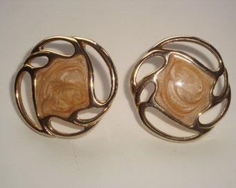 Gold Tone and Beige Swirl Pierced Earrings ~ LOVELY