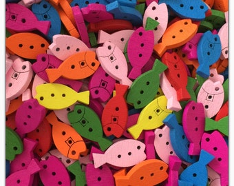 """20 or 40 Fish buttons, assorted fish buttons, wood buttons, novelty buttons, scrapbooking, sewing, crafts 3/4"""" 3/4 inch"""