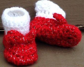 Baby Mary Jane slippers - Crochet baby booties - with socks -  Crochet Ruby Slippers - Wizard of Oz - Dorothy's red shoes for babies