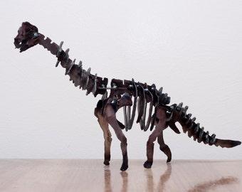 Handmade Metal Sculpture Dinosaur (Brachiosaurus)