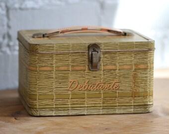 SPRING CLEANING SALE! Vintage 1958 Debutante lunch box