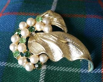 Vintage Brooch, Faux Pearl and Peridot Rhinestones, Goldtone