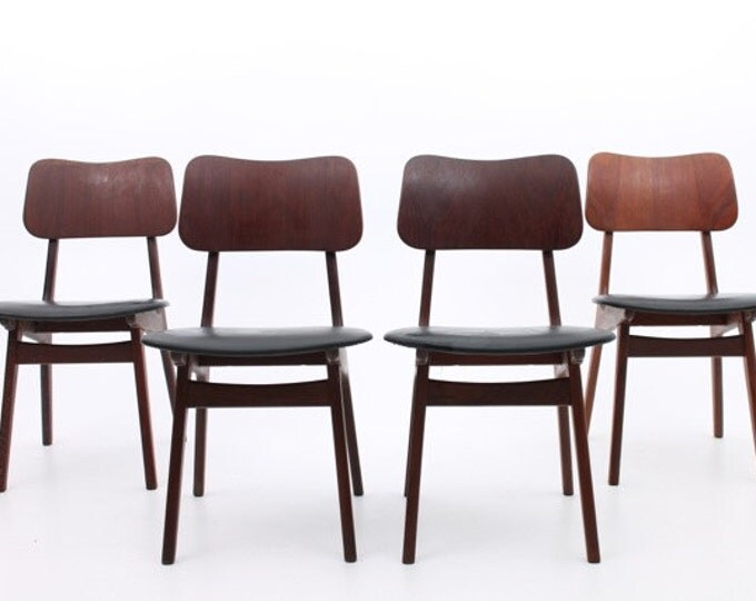 Danish Mid-Century Modern set of 4 teak sidechairs by A. Hovmand-Olsen, Denmark (Set of 4)