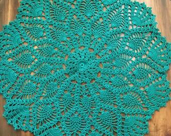 Green pineapple crochet doily