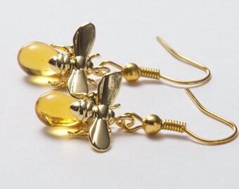 Honey Bee Earrings. Bee and honey drop. Teardrop earrings. Gold bee earrings. Insect Jewellery. Christmas gift. Gold and Amber Earrings.