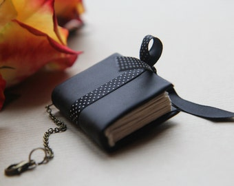 Tiny letherette notebook / mini version / accessory