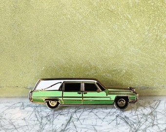 Six Feet Under enamel pin - Claire Fisher's hearse