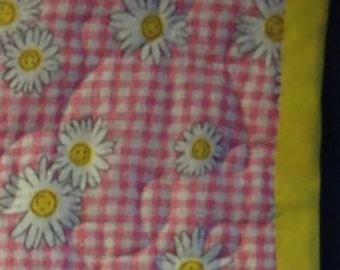Daisies-baby quilt/blanket
