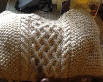Men's cabled sweater