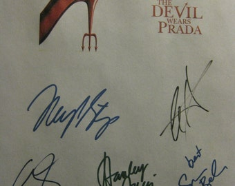 The Devil Wears Prada Signed Movie Film Screenplay Script X6 autographs Meryl Streep Anne Hathaway Emily Blunt Stanley Tucci Simon Baker