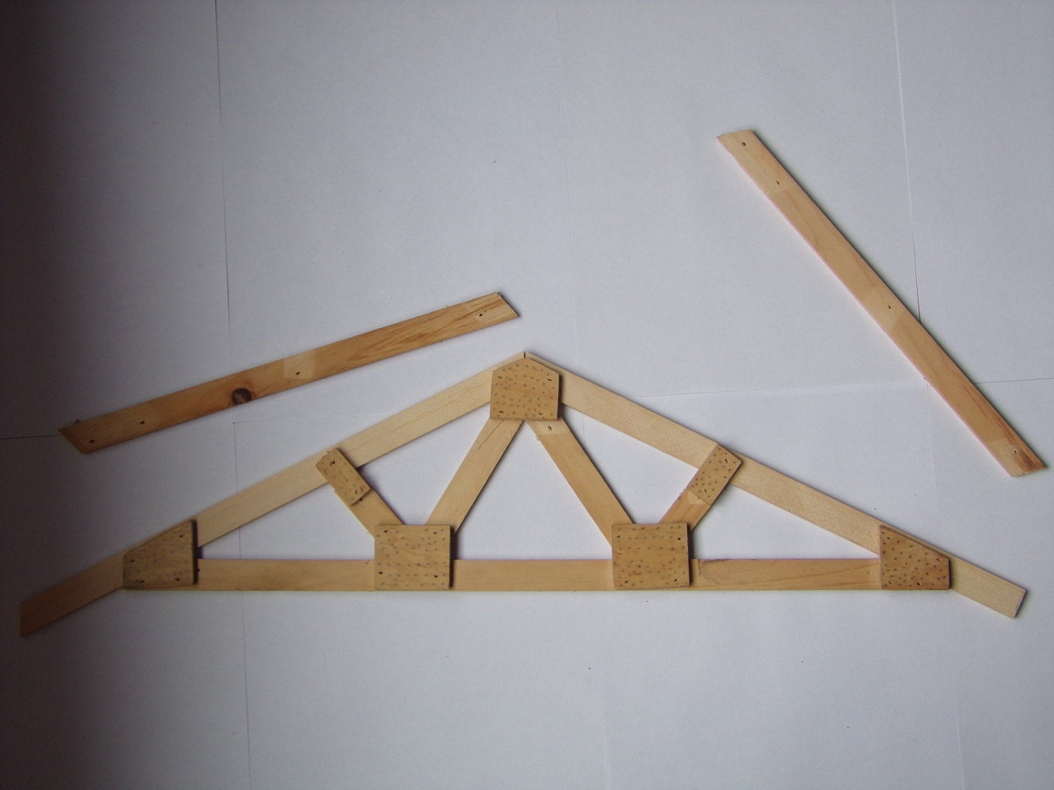 Roof truss plans how to build make your own by howtobuildplans for Building your own roof trusses