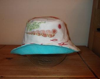 Reversible Sun Hat - beach theme - Age 6 to 8