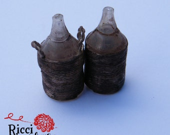 Demijohn/flask miniature with hemp thread for cribs and Dolls House