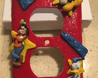 Mickey and Friends Outlet Plate