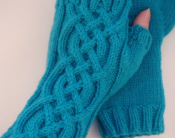 Celtic Cable Fingerless Gloves knitting pattern