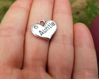 5 pieces Auntie Heart Charm with Rhinestone, Auntie Charm, Aunt Charm, Heart with Rhinestone, Stamped Heart B32656H