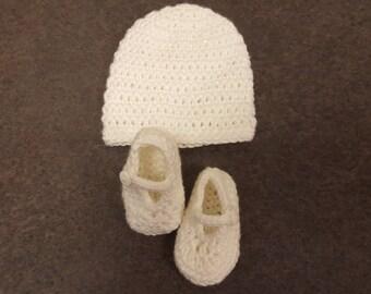 Sparkly White Newborn Maryjane Booties and Beanie set for girl