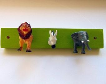 Green Zoo Animal Coat/Key/Jewellery/Clothes/Lead Hook - FREE UK P&P