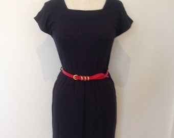 Jersey viscose dress with square neckline and belted waist