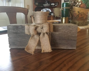 Small fence post centerpiece candle holder