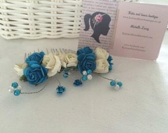 Blue and cream haircomb