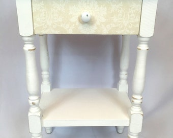 Shabby Cottage Chalk Painted Table