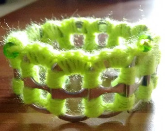 Pull tab crochet bracelet