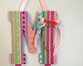 """Letter """"M"""" bow holder"""