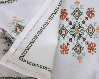 Tablecloth hand embroidery stitch cross