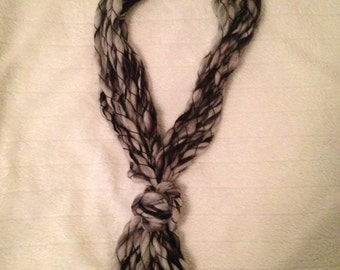 Black and White Chunky Yarn Necklace/Scarf
