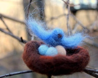 Mama Blue Bird nesting with her eggs (Waldorf-inspired & wool needle-felted)