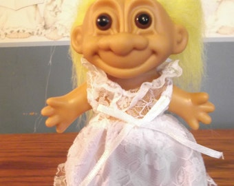 Russ Troll Doll Bride With Yellow Hair And Brown Eyes White Dress Vintage 1980s