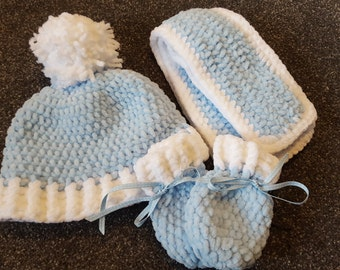 Superoft Chenille hat scarf and mittens set