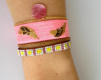 Bracelet multi ranks, with weaving miyuki, Pink Ribbon flashy and feathers, suede and chain